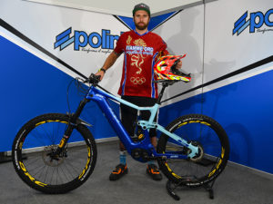 POLINI IN PISTA CON LE E-BIKE CROSS